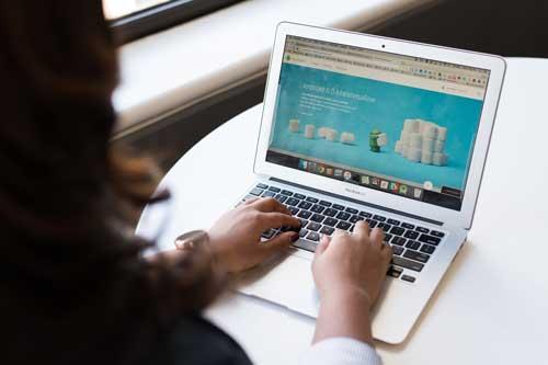 个人博客网站如何赚钱图片